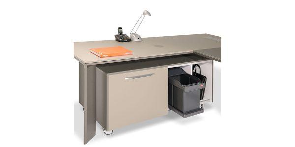 فایل کابینت لاوان بعنوان مکمل میز لاوان آلفا، دارای امکاناتی از قبیل فایل سه کشو متحرک و چرخدار با ریلهای لوکس و آرامبند با امکان تبدیل یکی از کشوها به Safty Box میباشد. بعلاوه امکان اضافه نمودن سطل زباله در فضای مشخص شده در ال محصول هست.