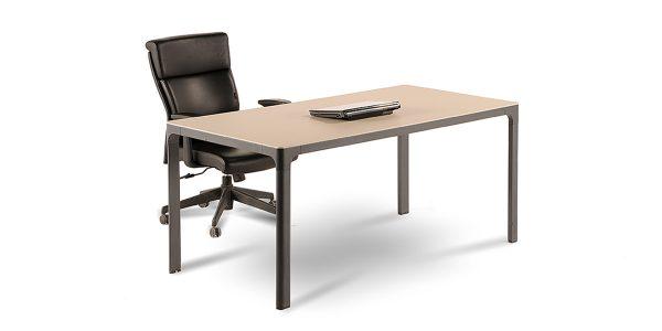 میز کارمندی لارک A طوری طراحی شده است که امکان تولید با طول مختلف را دارا میباشد.
