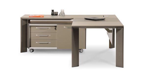 نمای داخل میز مدیریت لاوان آلفا محصولی از جلیس