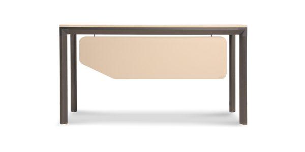 میز کارمندی نکا A، از جنس MDF با روکش ملامینه ساخته شده است. پایههای این محصول از جنس آلومینیوم اکسترود آنادایز شده میباشد. قطعات کلاف پروفیل و پایه با اتصالات دایکست از جنس از جنس دایکستی زاماک به هم متصل میشود