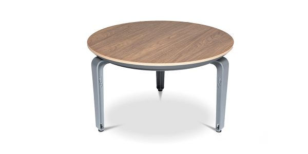 جلو مبل دایره کاپری محصولی از خانواده مدیریت و کارشناسی کاپری، در دو سایز 80 و 65 تولید میشود.