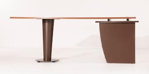 میز کارشناسی موج از روبرو